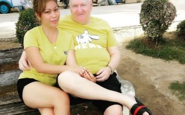 Cụ ông 71 tuổi trúng 'tiếng sét ái tình' của cô gái 23 ngay lần nói chuyện đầu tiên