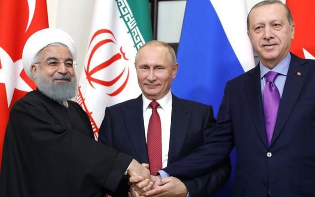 """""""Chiếc ô bảo vệ"""" của Nga đang trải rộng từ Syria đến Venezuela, kế hoạch Mỹ sụp đổ?"""