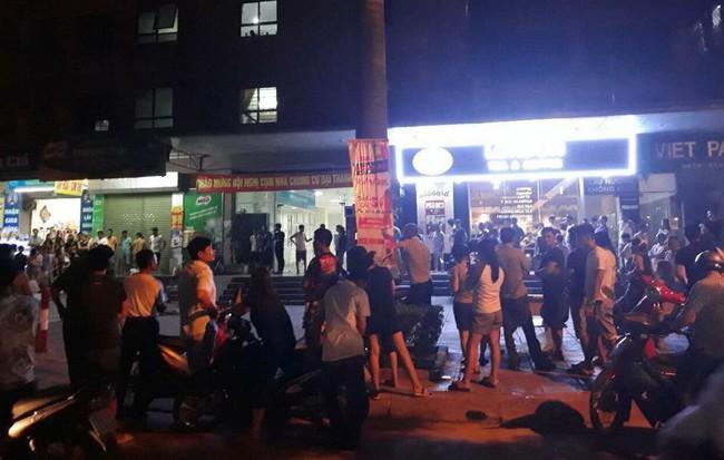 Hà Nội: Nam thanh niên bất ngờ lên tầng 32 chung cư nhảy xuống đất 1