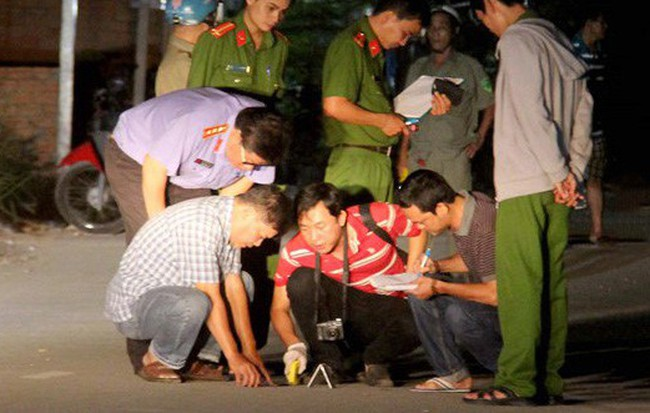 Truy bắt đối tượng dùng hung khí đâm 2 nam thanh niên nguy kịch ở Sài Gòn 1