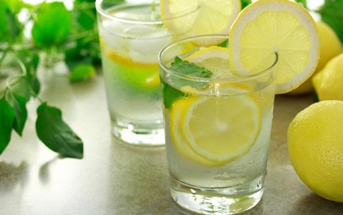 Uống nước chanh mỗi sáng giúp giảm mỡ bụng hiệu quả