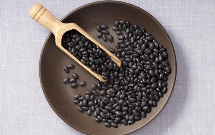 Kết quả hình ảnh cho đậu đen Bật mí cách làm nước uống giúp GIẢM CÂN, ĐẸP DA, SỮA về TRÀN TRỀ, bé ti mãi không hết photo 1 1503024986488 14 0 510 800 crop 1503024998273