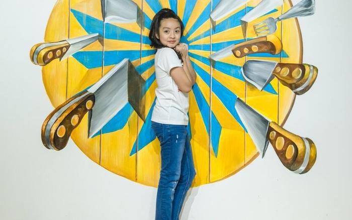 Con gái cựu người mẫu Thúy Hằng ngày càng xinh đẹp, tạo dáng chuyên nghiệp