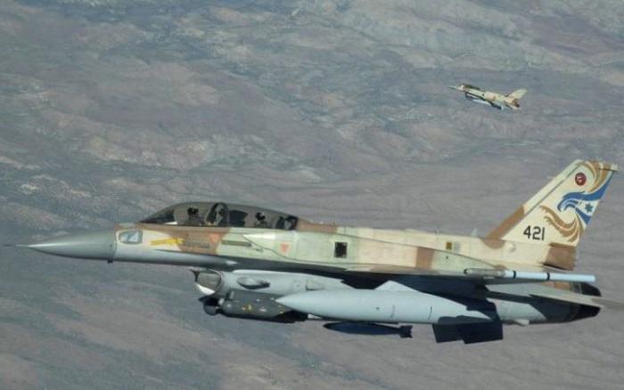 Chiến đấu cơ Israel áp sát biên giới trong đêm, phòng không Syria báo động cao