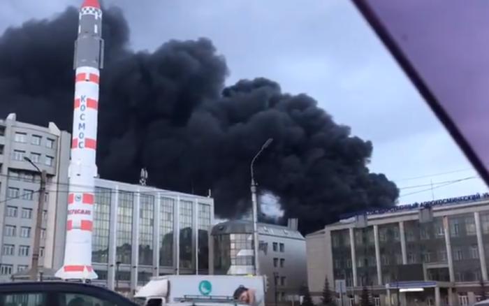 NÓNG: Cháy rất lớn tại nhà máy chế tạo tên lửa liên lục địa của Nga
