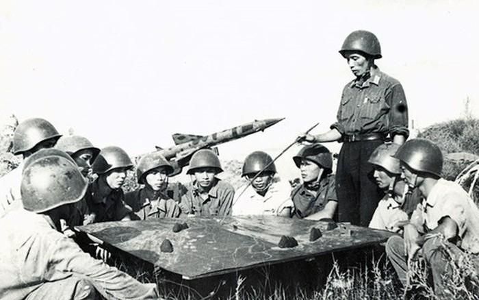 Ký ức của chuyên gia quân sự Liên Xô về trận đầu bắn rơi 4 máy bay Mỹ bằng 3 quả tên lửa ở Việt Nam
