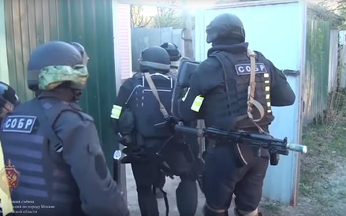 Cận cảnh đặc nhiệm Nga đột kích, tóm sống 7 thành viên khủng bố IS ở Moscow