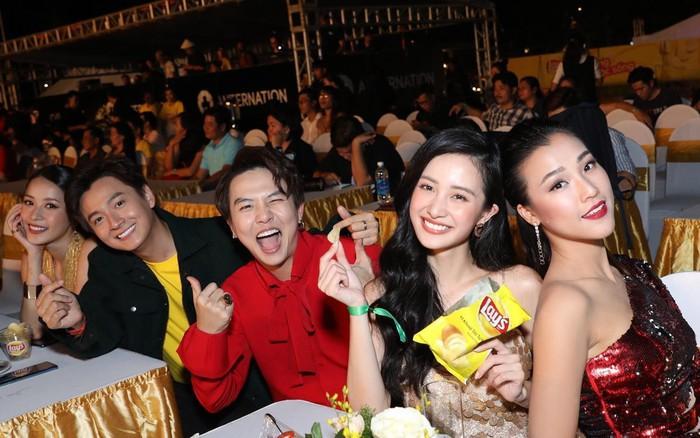 Khoảnh khắc vàng hiếm hoi của Showbiz Việt