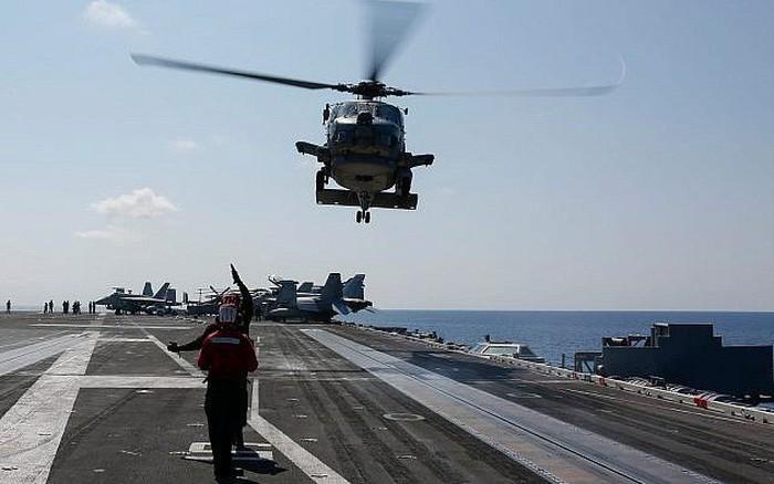 Iran di chuyển tên lửa ra biển, chuẩn bị tấn công Mỹ?