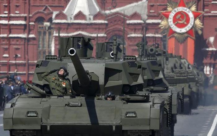 Nhìn lại những màn duyệt binh hoành tráng trong lịch sử Liên Xô - Nga