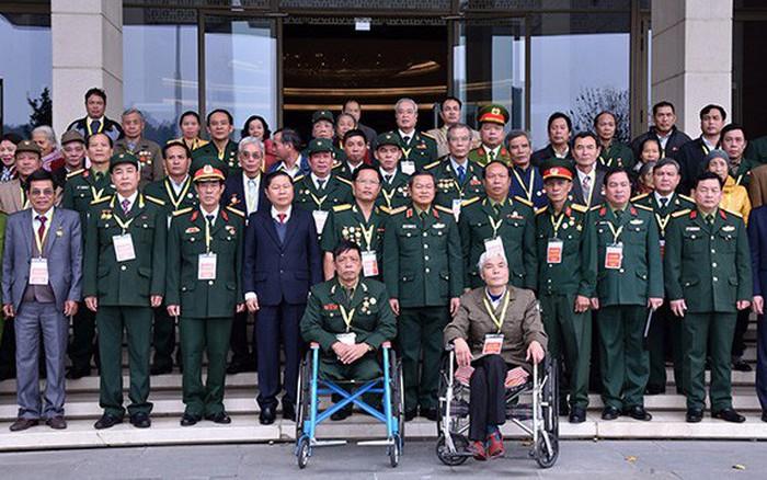 Phó Chủ tịch QH Đỗ Bá Tỵ gặp mặt thương binh, bệnh binh và gia đình liệt sĩ tiêu biểu