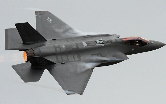 Không quân Mỹ lần đầu tiên đem tiêm kích tàng hình F-35 đi đánh trận