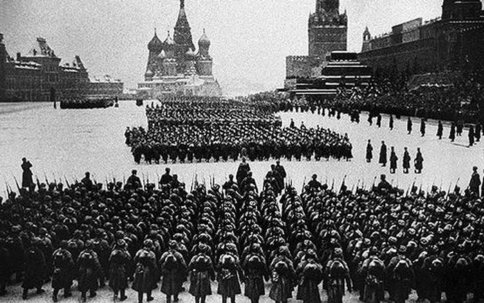Kỷ niệm Ngày chiến thắng phát xít Đức 9/5: Cuộc duyệt binh dưới tầm đạn pháo