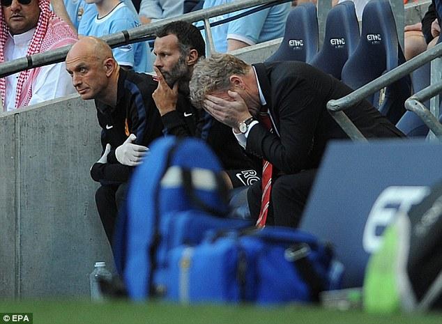 Ác mộng đầu tiên của mùa giải, Man United bị Man City hạ nhục 1-4.