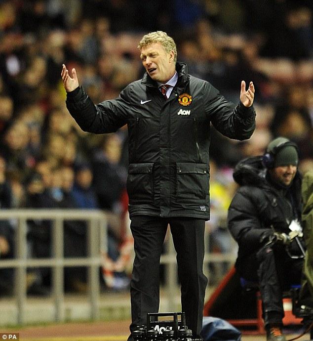 Để thua trước Sunderland ở FA Cup trong loạt sút luân lưu, không chỉ Moyes mà các CĐV đều rất thất vọng.