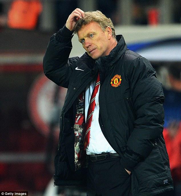 David Moyes trông rất khốn khổ khi Man United thua Olympiacos 0-2.