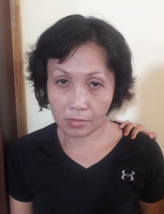 Người phụ nữ chở con dàn cảnh trộm tiền của bà bán nước ở Sài Gòn khai gì với công an? - Ảnh 1.