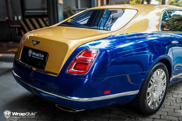 Bentley Mulsanne diện mạo lạ xuất hiện tại Sài Gòn, dân tình tò mò bộ mặt thật phía sau - Ảnh 2.