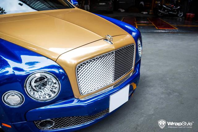 Bentley Mulsanne diện mạo lạ xuất hiện tại Sài Gòn, dân tình tò mò bộ mặt thật phía sau - Ảnh 3.