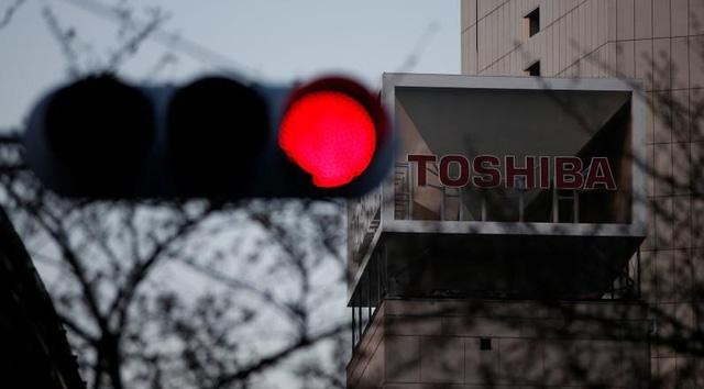 70 năm xây dựng - 10 năm sụp đổ của Toshiba: 3 sai lầm chí mạng biến đại gia công nghệ đầu ngành trở thành ông già lạc hậu gần đất xa trời - Ảnh 7.