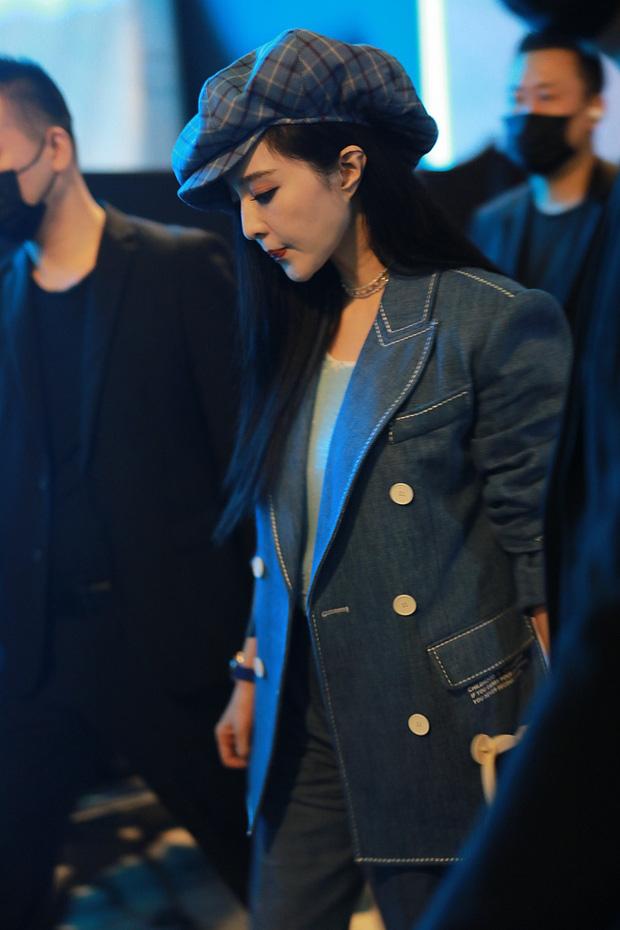 Nữ hoàng giải trí Phạm Băng Băng chơi trội tại sự kiện, lu mờ loạt mỹ nhân với nhan sắc và thần thái hạng A Cbiz - Ảnh 4.