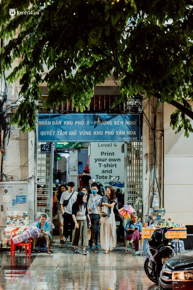 Cận cảnh chung cư Việt Nam lên báo Mỹ được khen nức nở: 1 tỷ đồng cho mỗi mét vuông, thiên đường cafe của giới trẻ Sài Gòn - Ảnh 10.