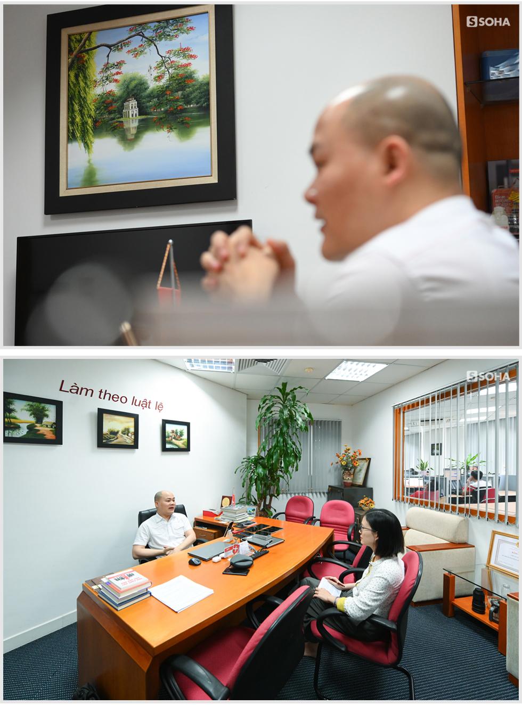 [Bí mật phòng sếp] Căn phòng không thể tin nổi của Nguyễn Tử Quảng và kiểu quần áo không đổi suốt 10 năm - Ảnh 11.