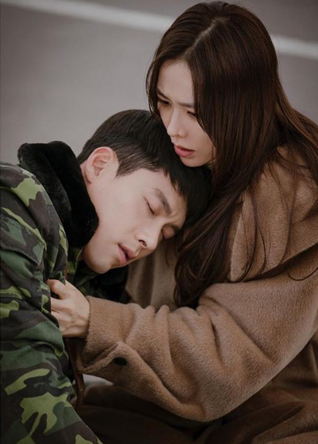 MXH rầm rộ tin Hyun Bin - Son Ye Jin bí mật kết hôn lúc quay Hạ Cánh Nơi Anh, loạt nhà báo lên truyền hình kể lại sự việc - Ảnh 2.