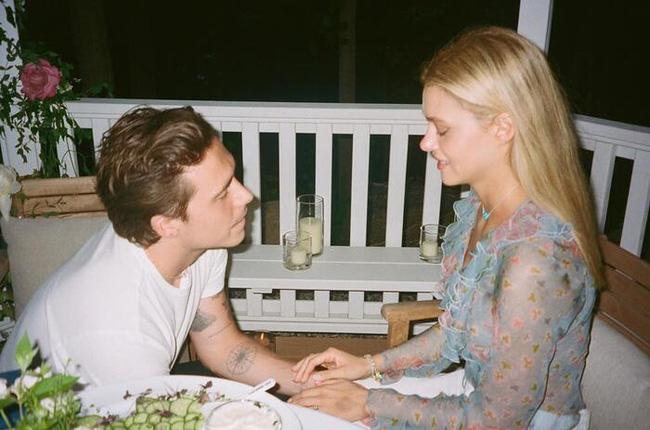 Vợ sắp cưới của con trai Beckham: Tiểu thư xinh đẹp và gia thế khủng - Ảnh 1.