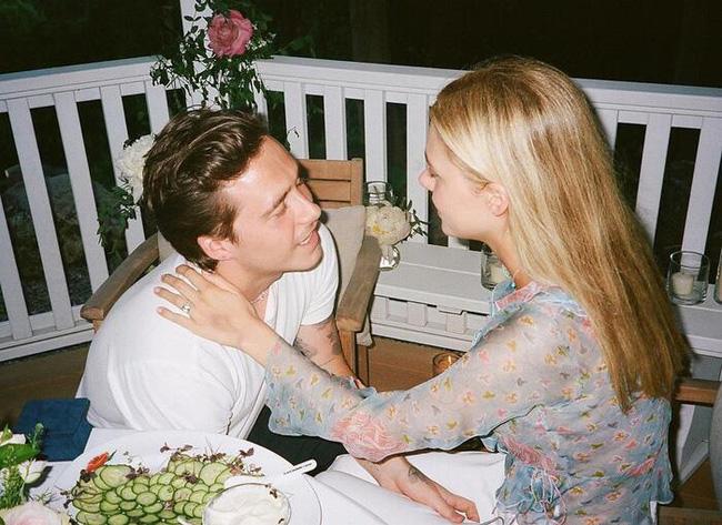 Vợ sắp cưới của con trai Beckham: Tiểu thư xinh đẹp và gia thế khủng - Ảnh 2.