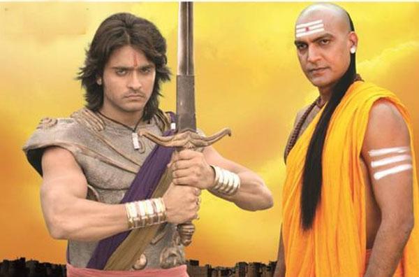 Hình ảnh Chandragupta và người thầy Chanakya trong bộ phim về cuộc đời nhà vua. Nguồn ảnh: newstrend.news