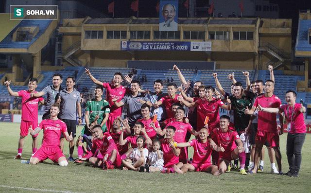 Làm tương tự CLB Việt Nam, huyền thoại Man United nhận chức vụ hiếm gặp trong lịch sử bóng đá - Ảnh 3.