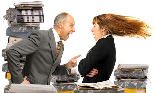 Bị mắng thậm tệ sau khi hỏi anh có tiền lẻ không?, nhân viên ngân hàng phản ứng lại 1 câu, khách hàng phải thay đổi thái độ - Ảnh 2.