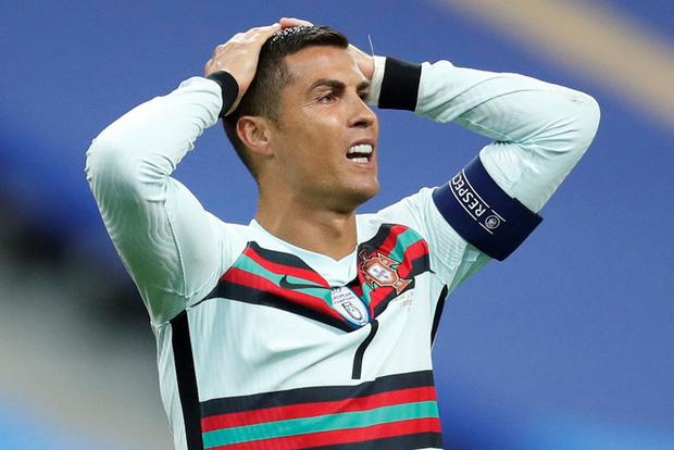 Động thái đầu tiên của cô nàng Georgina sau khi Ronaldo không may nhiễm Covid-19, vô tình tiết lộ luôn tình trạng hiện tại của siêu sao người Bồ - Ảnh 2.