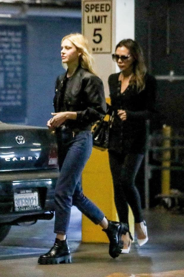 Harper Beckham gây bão MXH chỉ với 1 bức ảnh bên chị dâu tài phiệt: Cô út 9 tuổi mà phổng phao bất ngờ, nhìn như thiếu nữ - Ảnh 4.