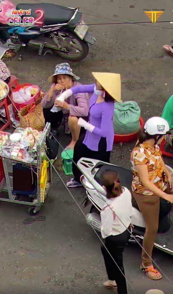 Phương Mỹ Chi bán hàng rong ngoài chợ, bị đuổi thẳng: Họ tưởng tôi bị khùng! - Ảnh 2.
