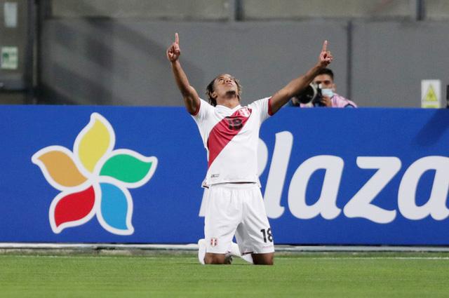 Peru 2-4 Brazil: Neymar lập hat-trick, Brazil đòi lại ngôi đầu - Ảnh 1.