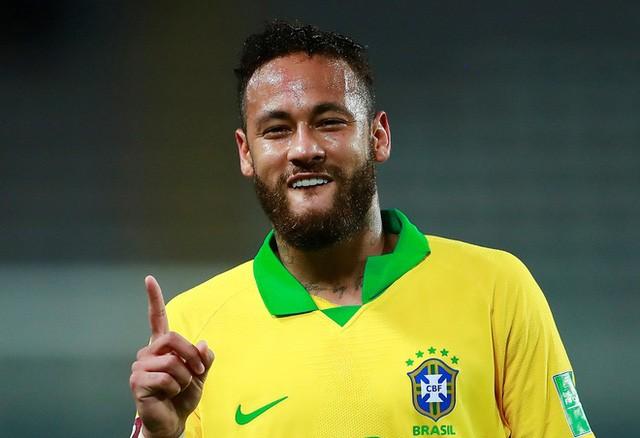 Peru 2-4 Brazil: Neymar lập hat-trick, Brazil đòi lại ngôi đầu - Ảnh 2.