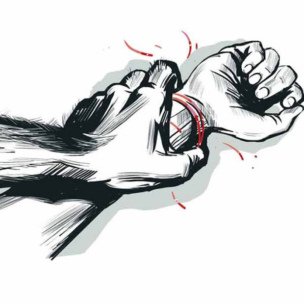 Nỗi cay đắng và sự giày vò của người phụ nữ lỡ mang giọt máu của tên cưỡng hiếp mình: Nhìn vào mắt con trai tôi thấy kẻ đã hại đời mình - Ảnh 1.