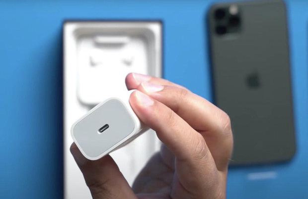 iPhone 12 chắc chắn không được tặng kèm củ sạc: Dân mạng tức giận nhưng ifan thì bảo chẳng sao cả, đây là lý do - Ảnh 2.