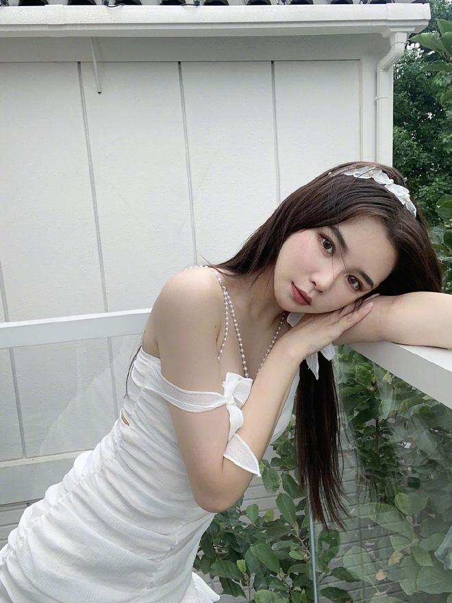 """Lại thêm một hot girl Trung Quốc """"ngã ngựa"""" vì nhan sắc thật trên sóng livestream khác xa ảnh trên mạng - Ảnh 8."""