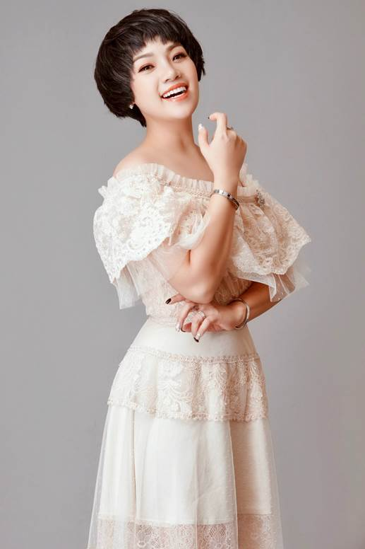 Chị Thu Quỳnh để tóc dài hay ngắn đều rất đáng yêu - Ảnh 4.