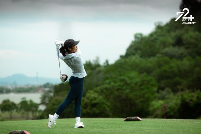 Tiểu thư 2k2 nhà Diva Mỹ Linh bước chân vào hội mê golf, tiết lộ nhờ vậy mà thân với bố hơn - Ảnh 4.
