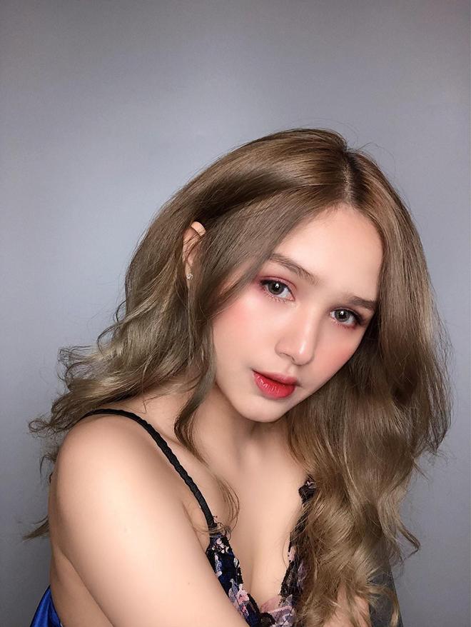 Thân hình sexy tuổi 18 của chị dâu Diệp Lâm Anh - Ảnh 1.