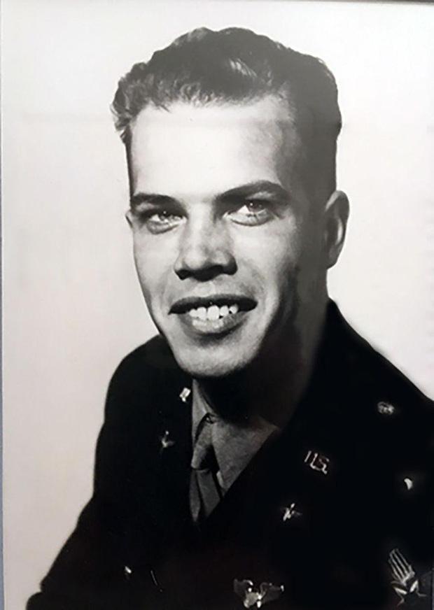 William J. Gray Jr. đã tử nạn trong lúc tham chiến ở Đức