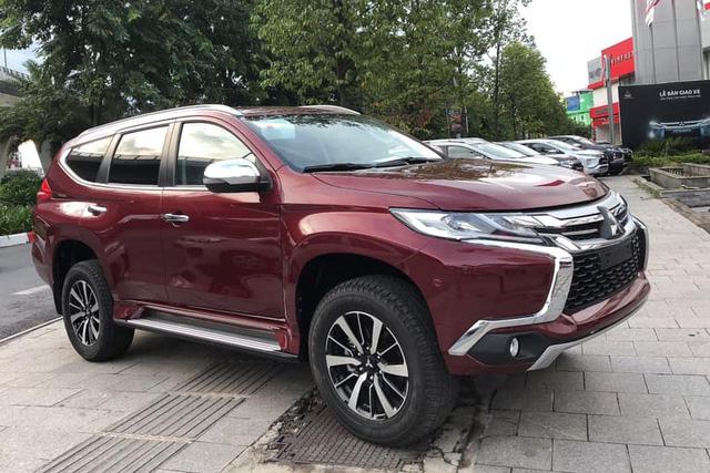 Sắp 'tuyệt chủng', Mitsubishi Pajero Sport máy xăng tồn kho xả hàng giảm giá 250 triệu đồng - Ảnh 1.