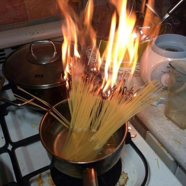 Những khoảnh khắc chứng minh chỉ đam mê nấu nướng thôi vẫn chưa đủ, bạn phải cần tay nghề cao và một chút may mắn nữa! - Ảnh 1.
