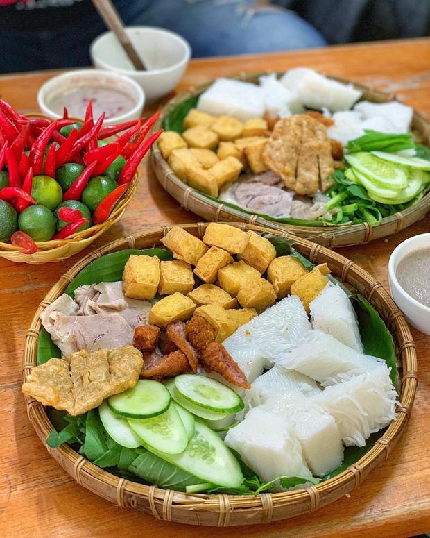 Hơn 2,5 ngàn người tranh cãi tìm ra quán bún đậu ngon nhất Sài Gòn, và đây là những cái tên lọt vào top 10 - Ảnh 1.