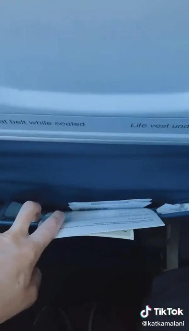 Nữ tiếp viên lâu năm tiết lộ những nơi bẩn thỉu nhất bạn nên hạn chế đụng vào trên máy bay, vậy mà đó giờ không nhiều người để ý - Ảnh 3.