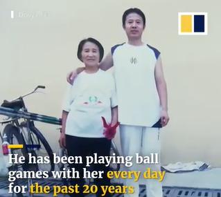 Bà cụ 82 tuổi cùng con trai khiến ai nấy lác mắt vì tài năng bóng bàn cứ phải gọi là đỉnh của chóp! - Ảnh 5.